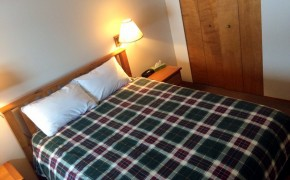 Griz Inn Fernie – 1-Bedroom Apartment – Unit 103-Bedroom