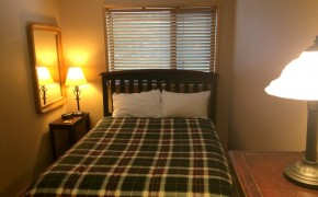 Griz Inn Fernie – 1-Bedroom Apartment – Unit 209-Bedroom