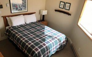 Griz Inn Fernie – 2-Bedroom Loft Apartment – Unit 311-Bedroom-3