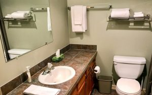 GrizInn-305-Bathroom