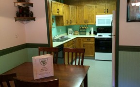 Griz Inn Fernie – 1-Bedroom Loft – Unit 302 Kitchen