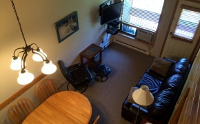 Griz Inn Fernie – 1-Bedroom Loft – Unit 309 Living Room