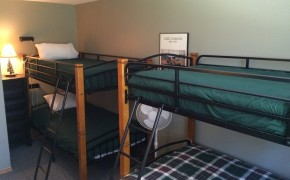 Griz Inn Fernie – 2-Bedroom Apartment – Unit 210 Bedroom #2