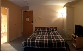 Griz Inn Fernie Hotel Room